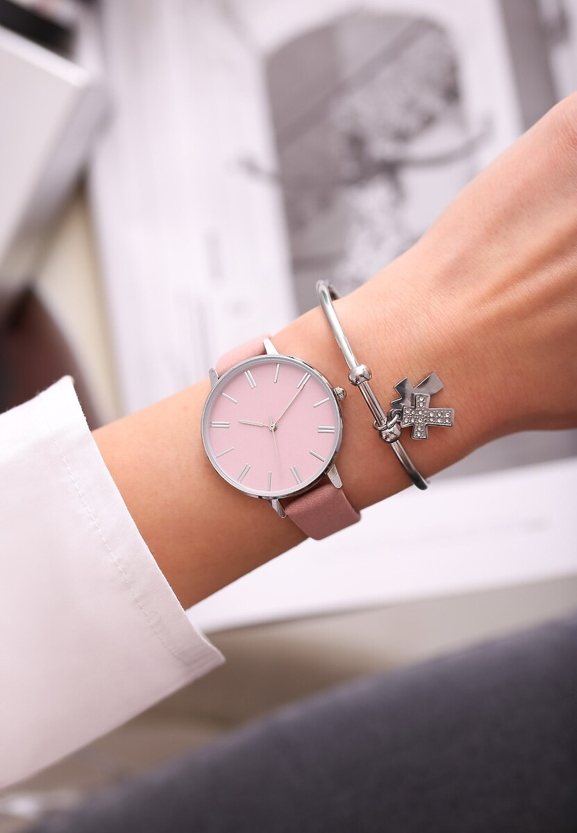 Różowy Zegarek Per diem