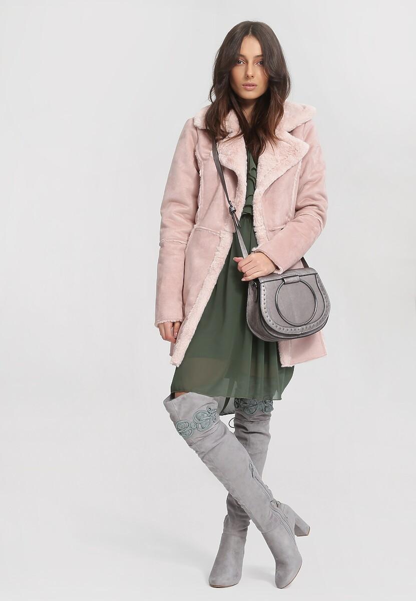 Różowy Płaszcz Well-Lighted