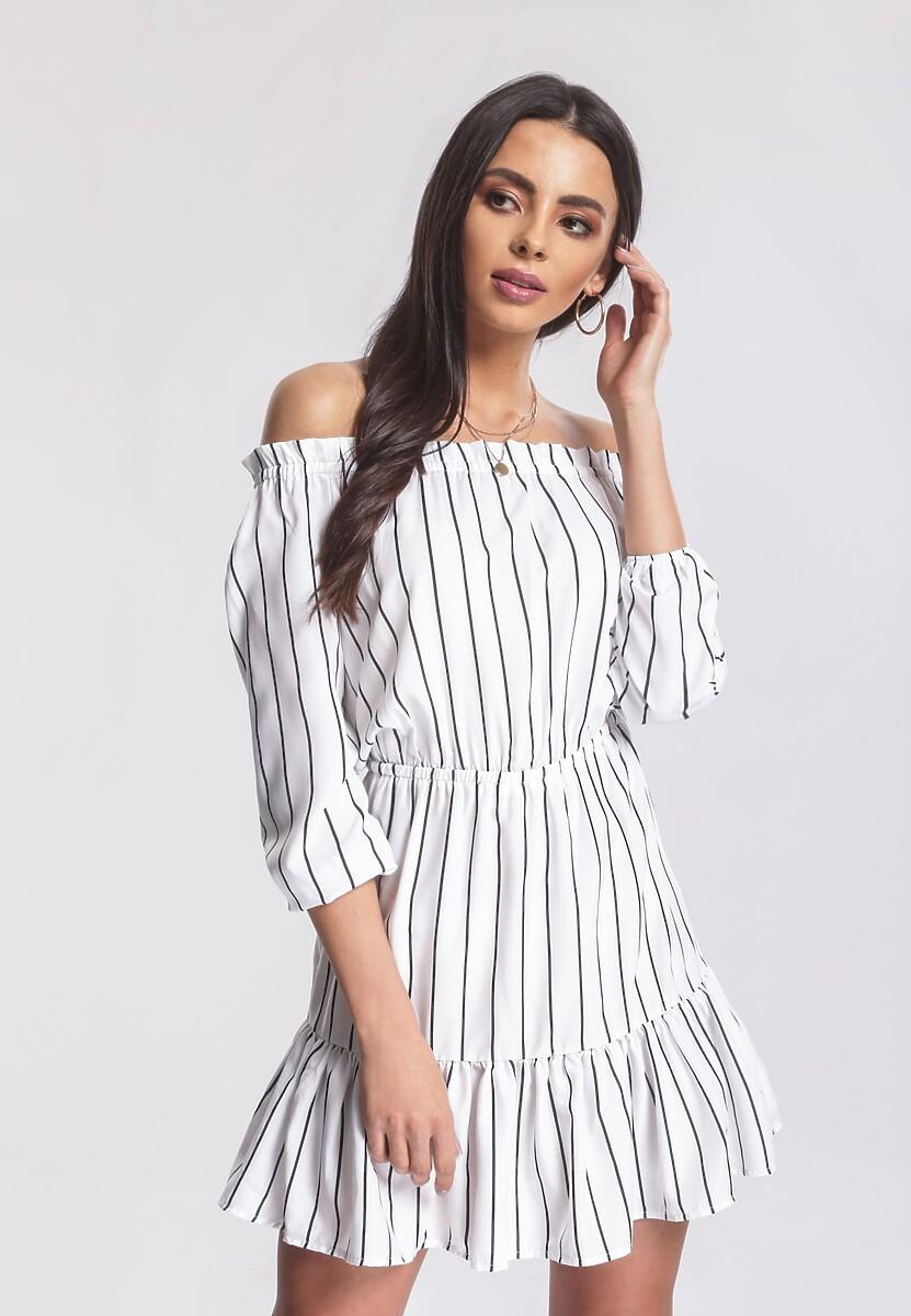 Biała Sukienka Take Action
