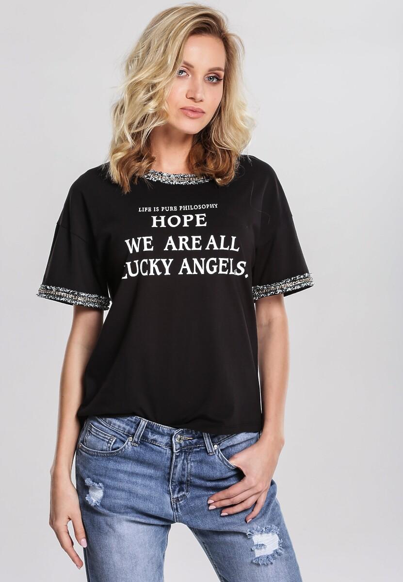 Czarny T-shirt At A Standstill