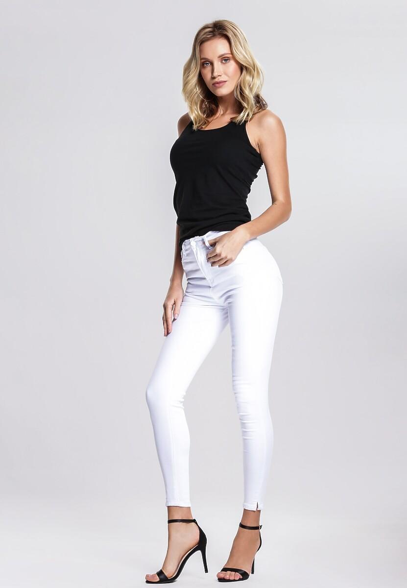 Białe Jeansy Appreciatively