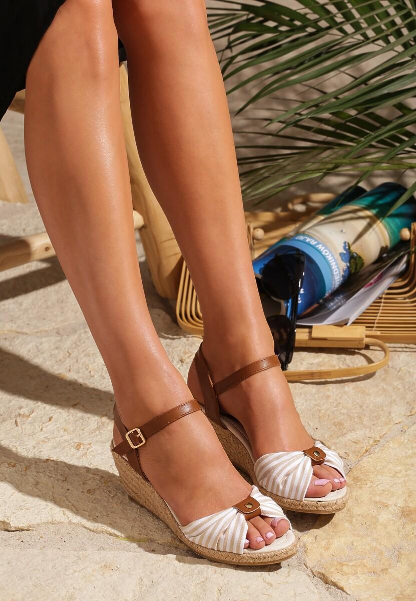 Beżowe Sandały Capsize