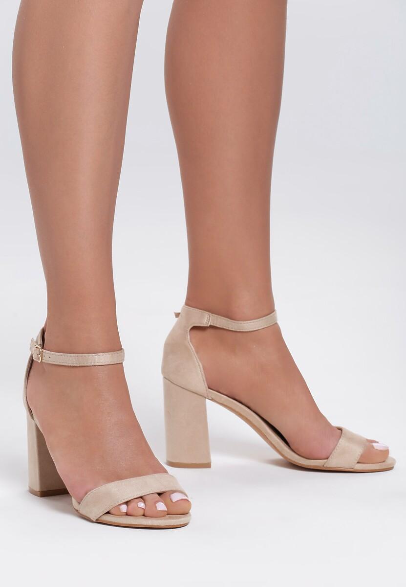 Beżowe Sandały However