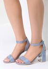 Niebieskie Sandały Starts Here