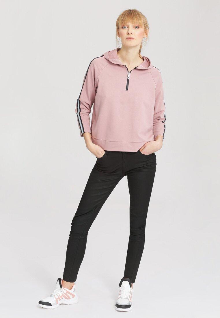 Różowa Bluza Monkey