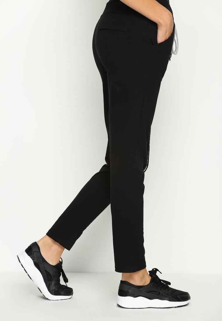 Czarne Spodnie Dresowe Star