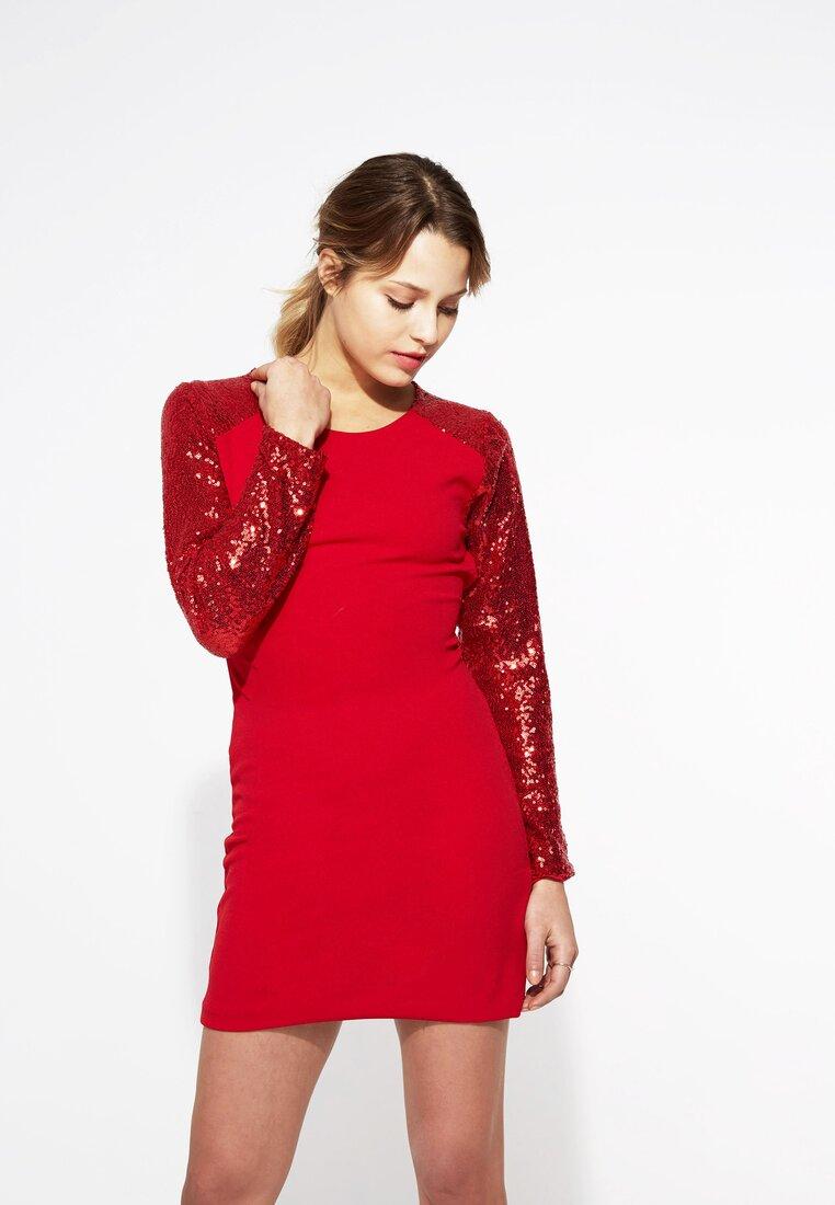 Czerwona Sukienka Silver Star