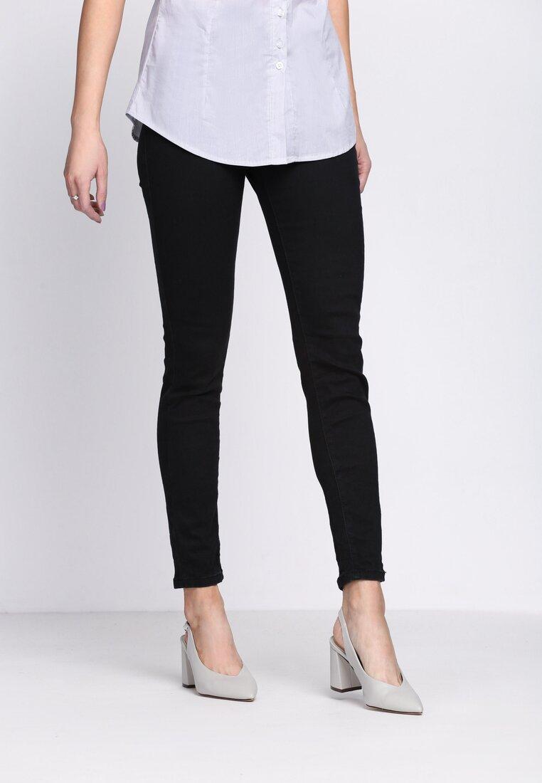 Czarne Spodnie Sobering