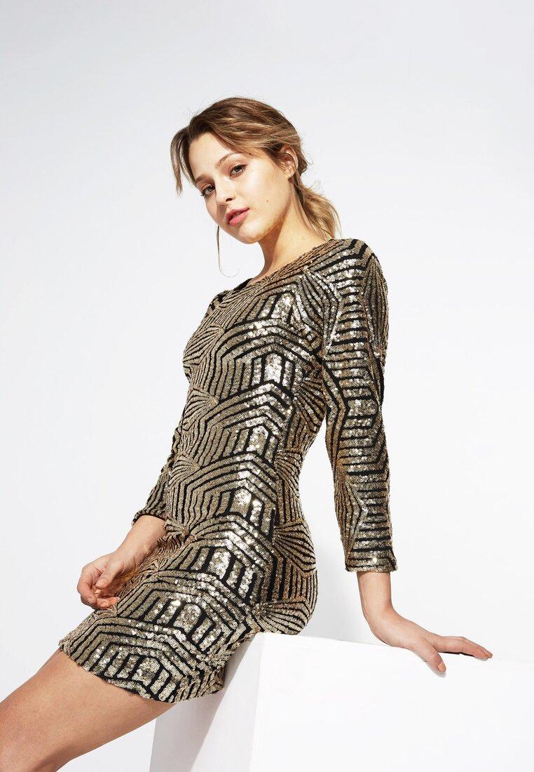 Złota Sukienka Backless