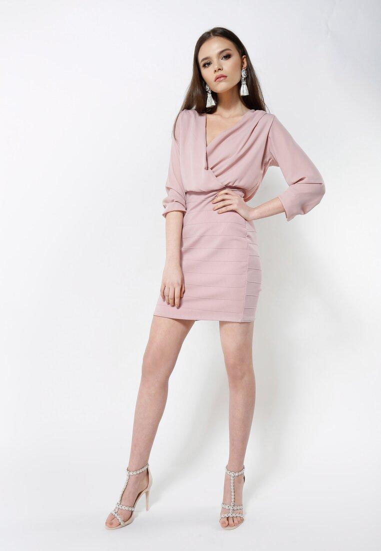 Różowa Sukienka Love Calls