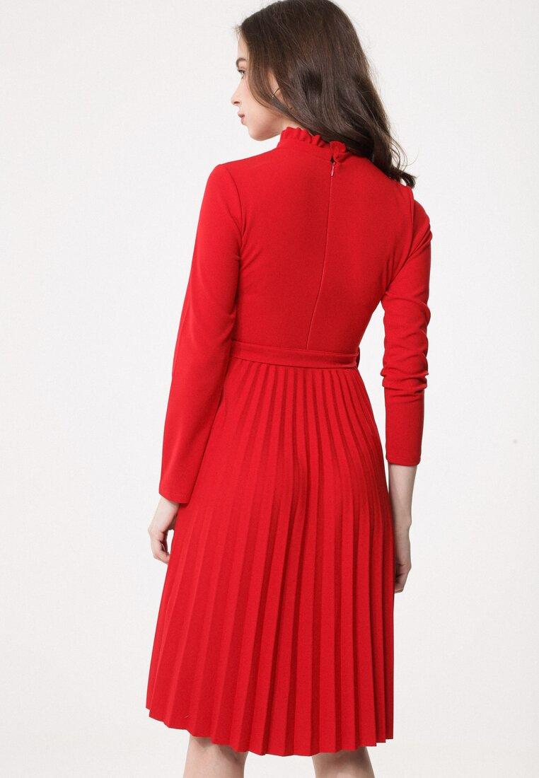 Czerwona Sukienka Story Of Vogue