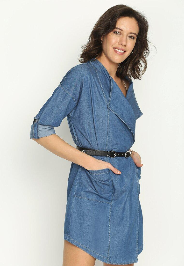 Niebieska Sukienka Upturn