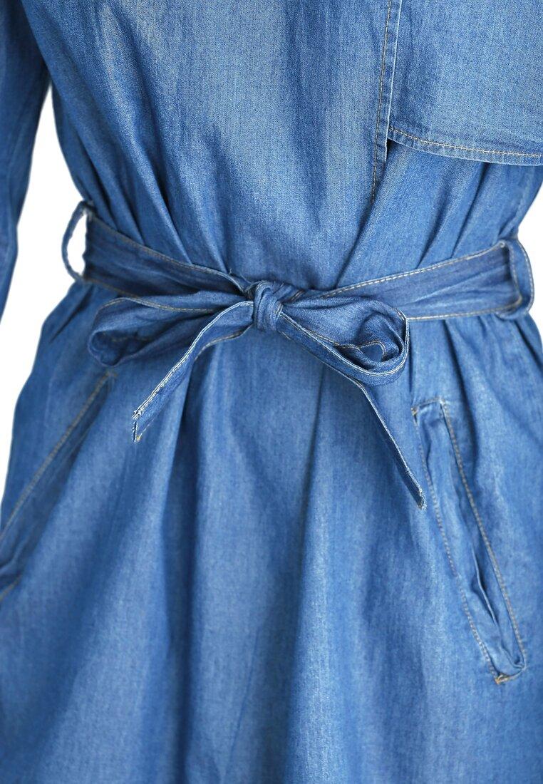 Niebieski Płaszcz Submission