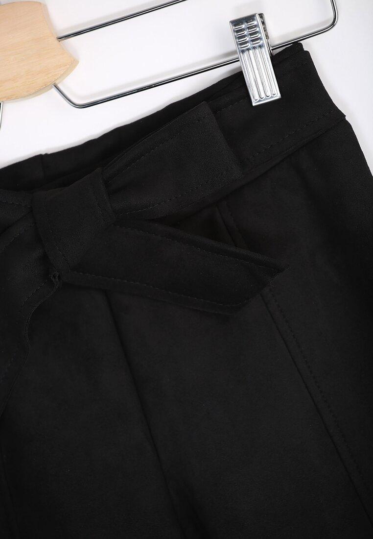 Czarne Spodnie Fuss