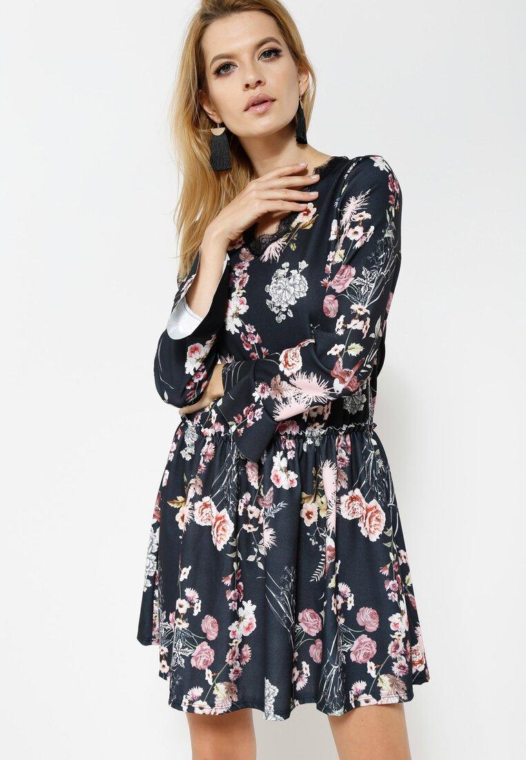 Jasnoróżowa Sukienka Sleepy Petal