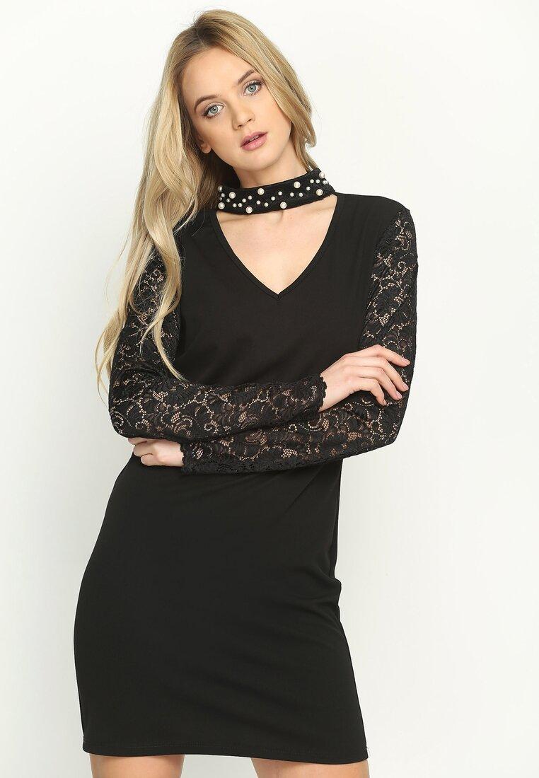 Czarna Sukienka Choker