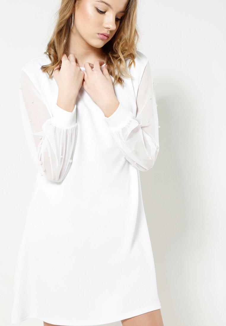 Biała Sukienka The Walls