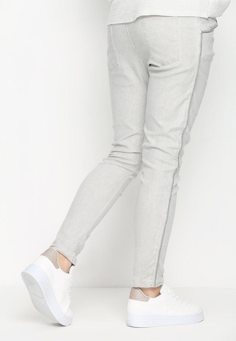 Jasnoszare Spodnie Move On