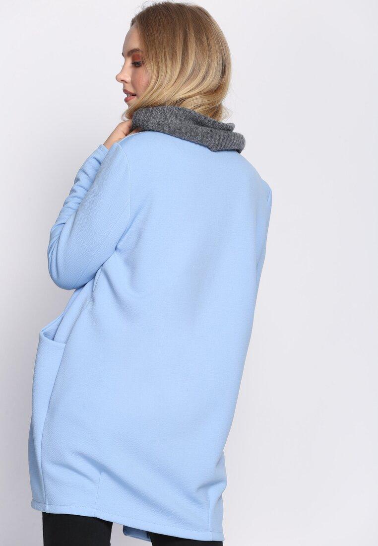 Niebieski Płaszcz Drove All Night