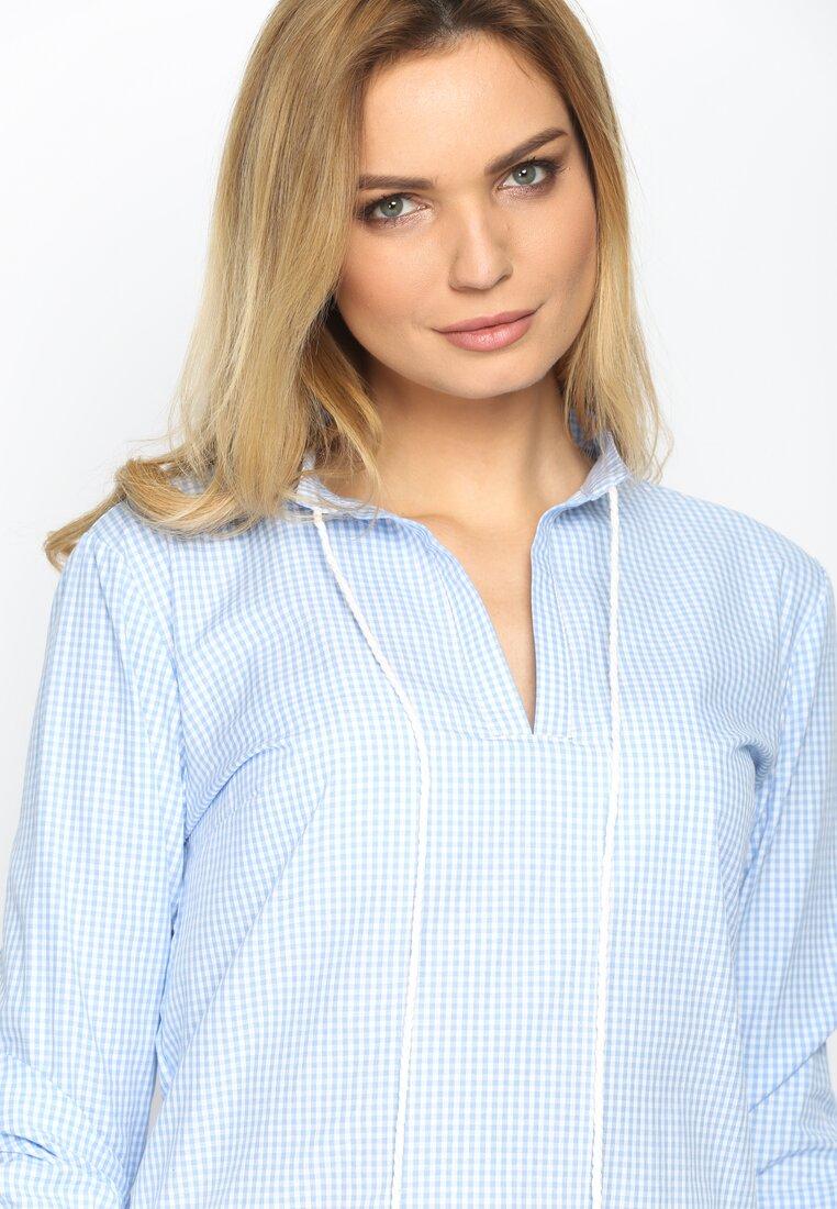 Niebieska Bluzka Connection