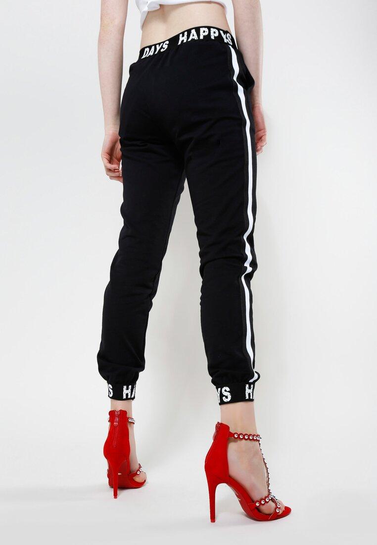 Czarne Spodnie Make Me Run