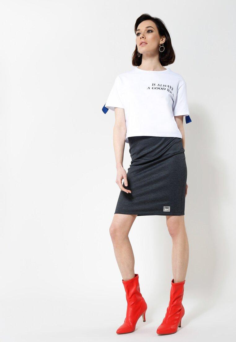Granatowa Spódnica Feminacy
