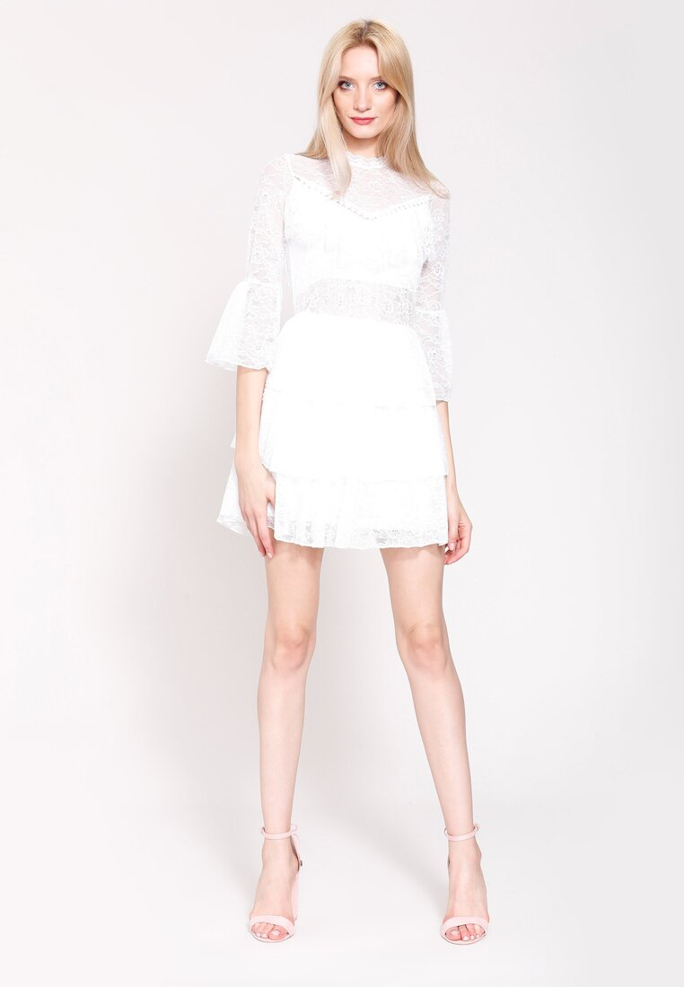 Biała Sukienka Through The Jungle