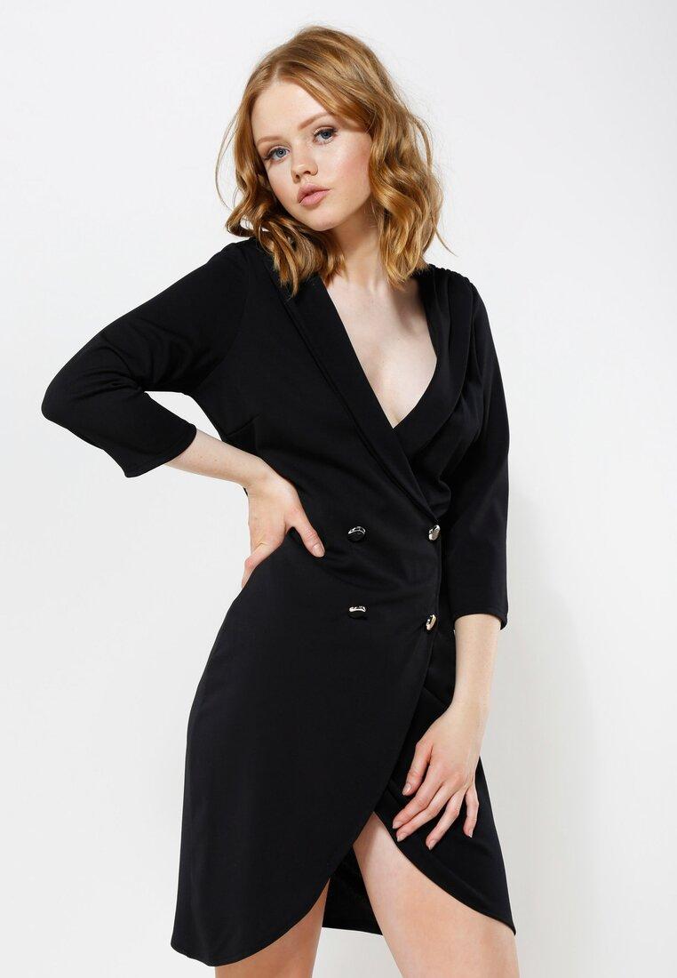 Czarna Sukienka Four Buttons