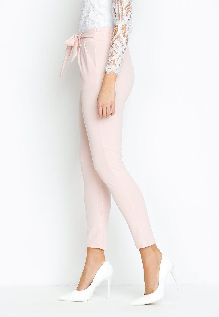 Różowe Spodnie Upper Classical