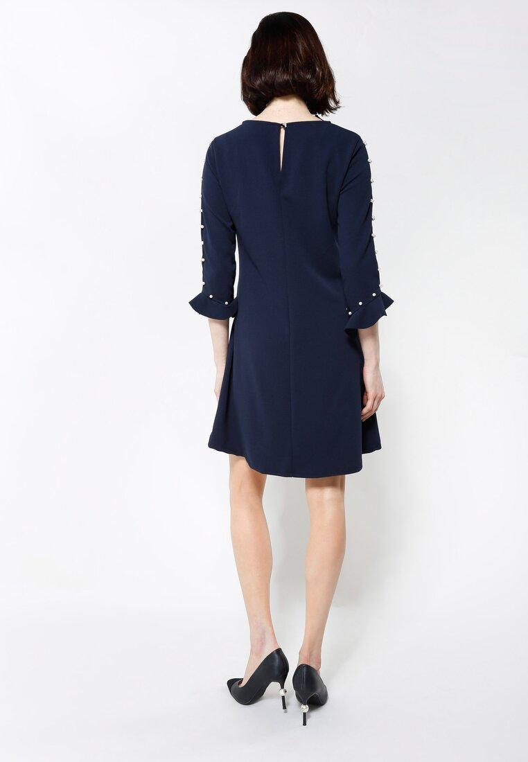 Granatowa Sukienka Womans Needs