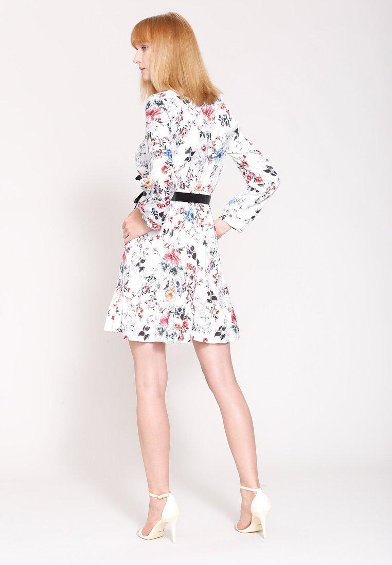 Biała Sukienka Look Tonight
