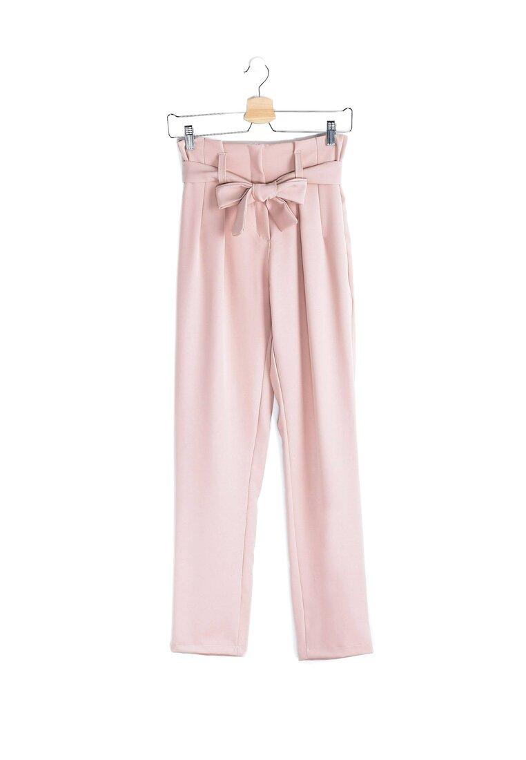 Różowe Spodnie Answer In The Sky