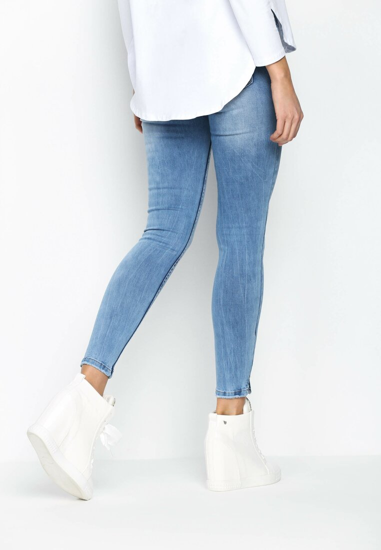 Niebieskie Jeansy Light Domino