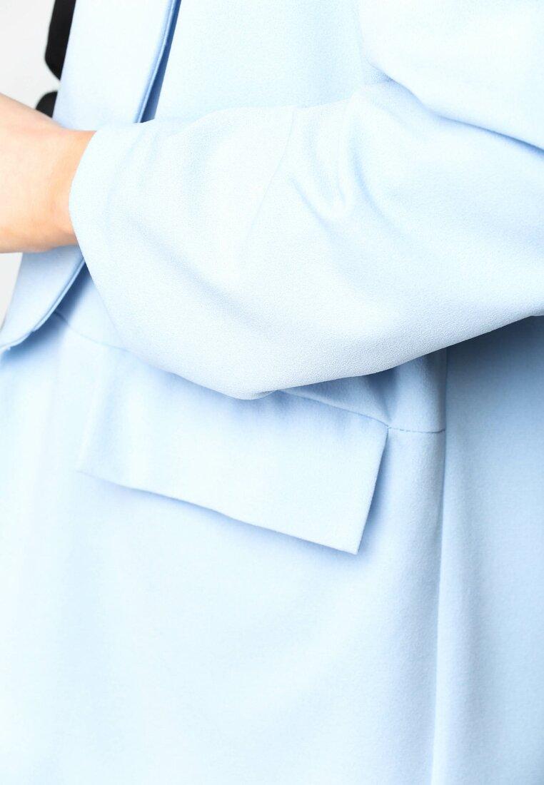 Niebieska Marynarka Retro Comes Back