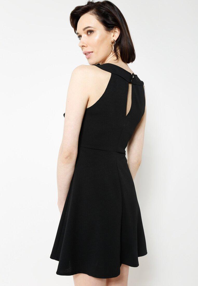 Czarna Sukienka Reminder