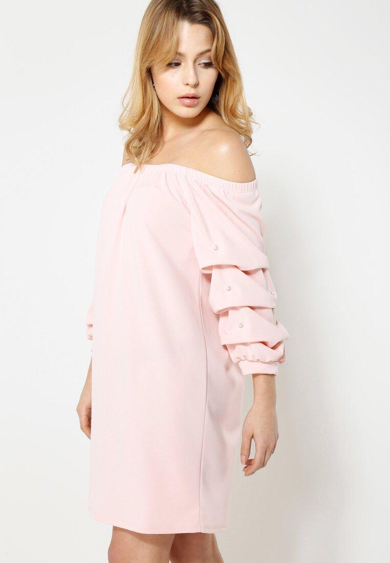Różowa Sukienka Tell the World