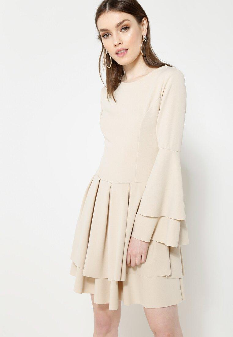 Beżowa Sukienka Mad Routine