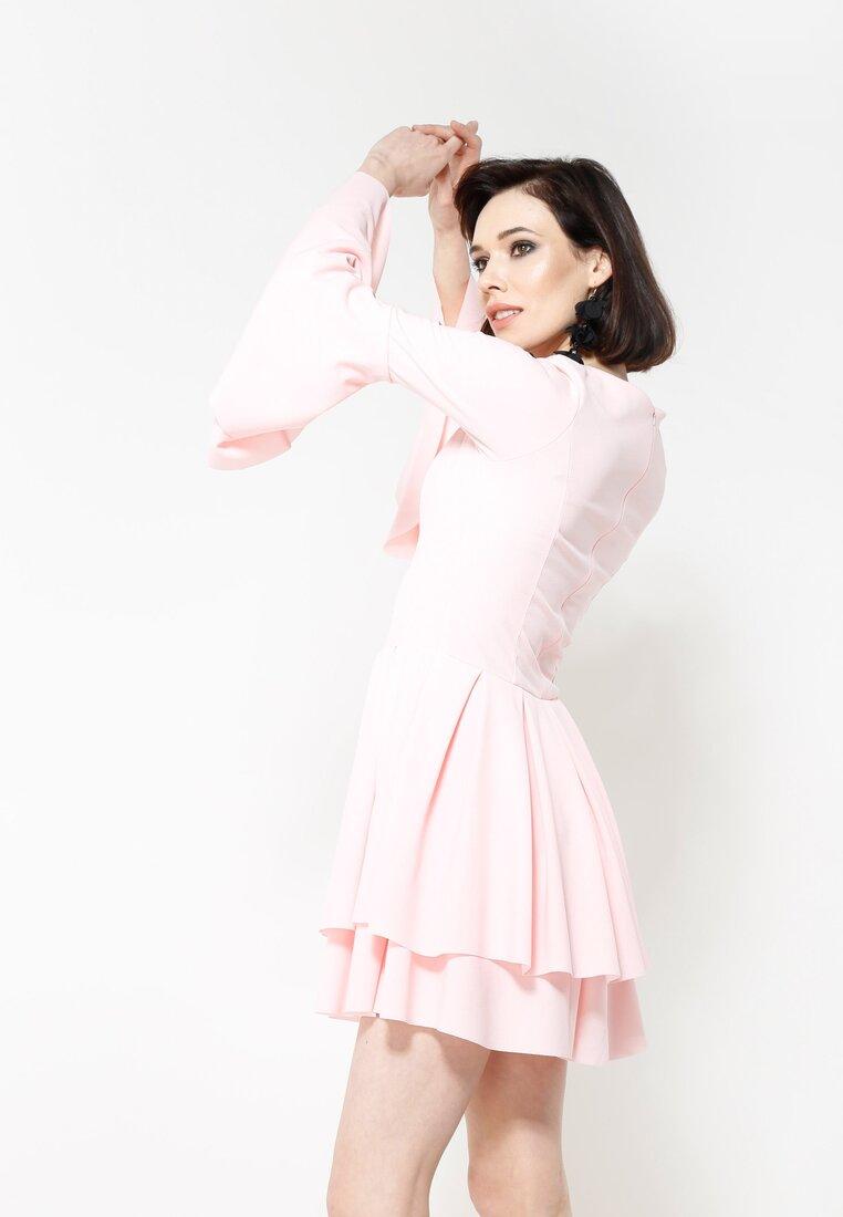 Różowa Sukienka Mad Routine