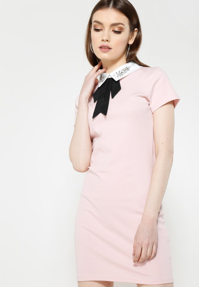 Różowa Sukienka Front Cuteness