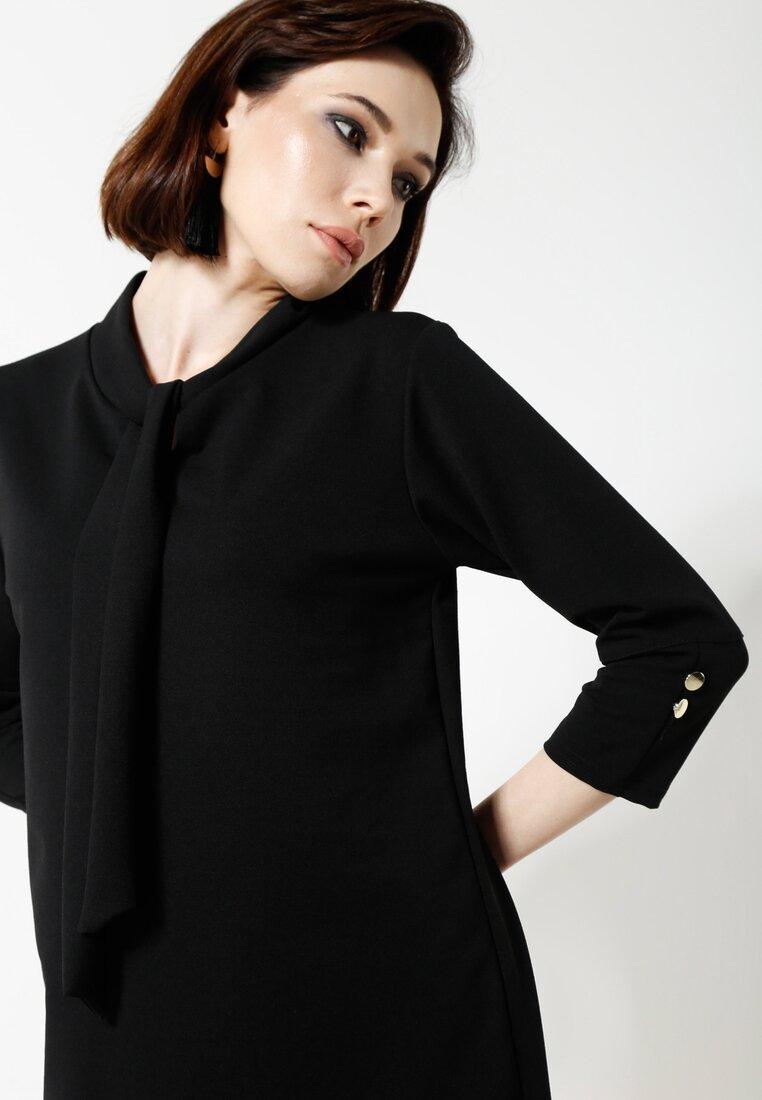 Czarna Sukienka Bell Cut
