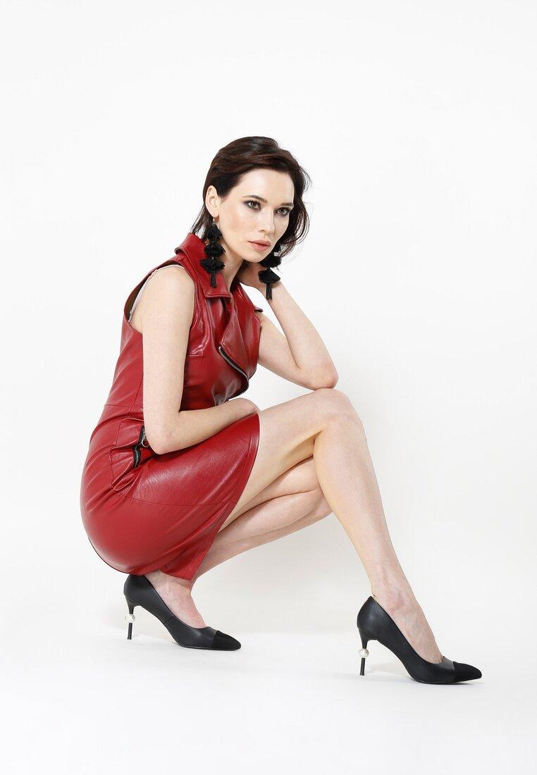 Czerwona Sukienka Up Figure