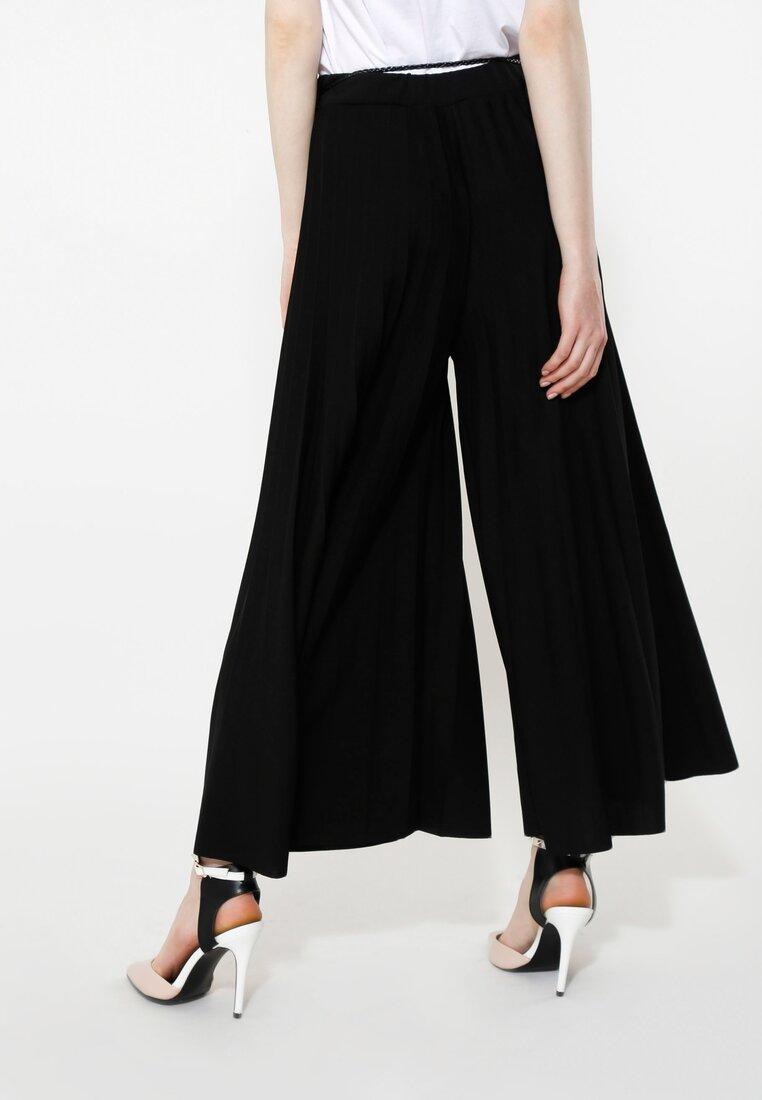 Czarne Spodnie Power Girl