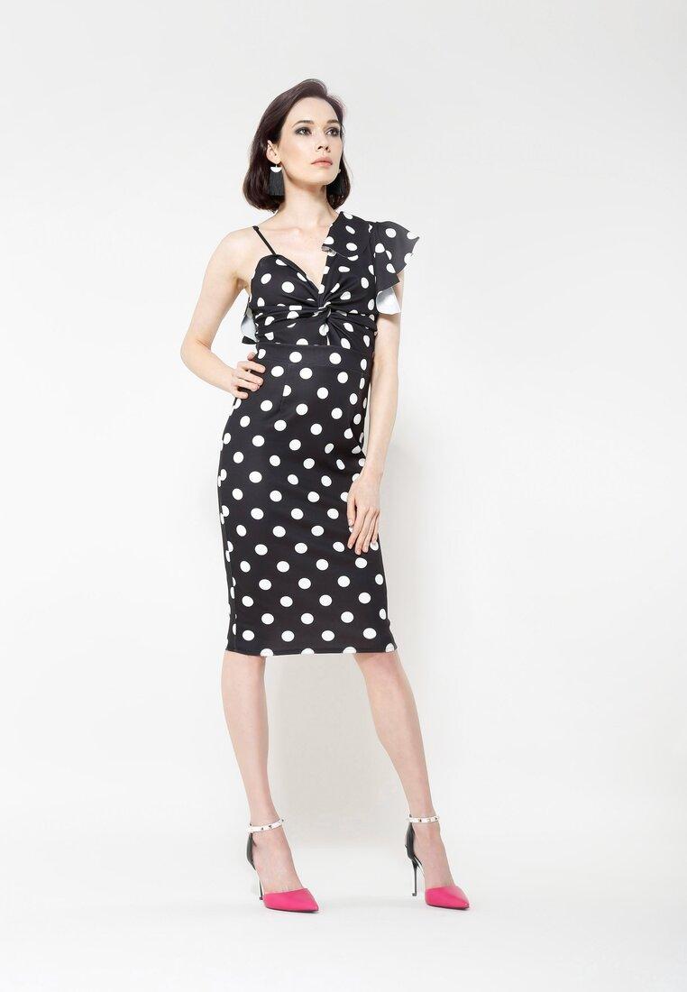Czarna Sukienka Dalmatic