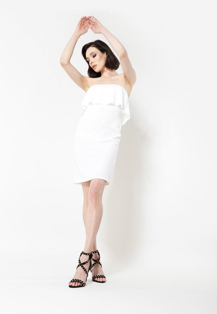 Biała Sukienka Falbala