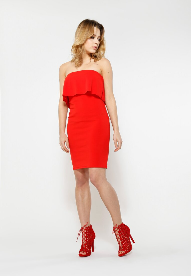 Czerwona Sukienka Falbala