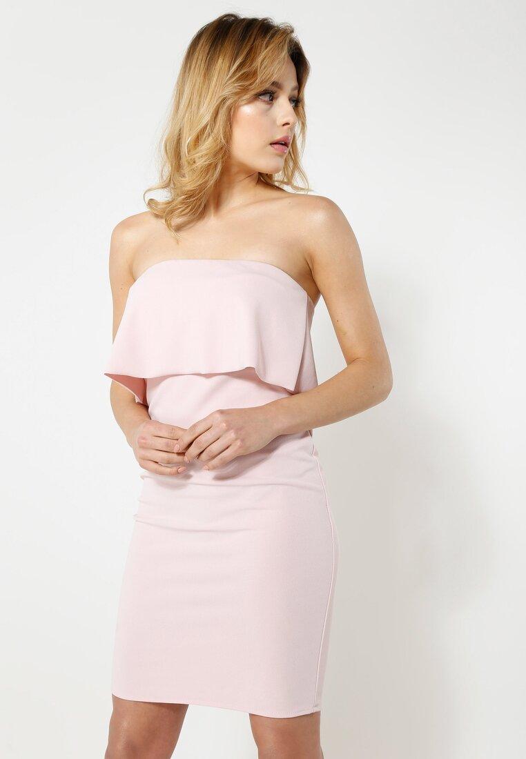 Różowa Sukienka Falbala
