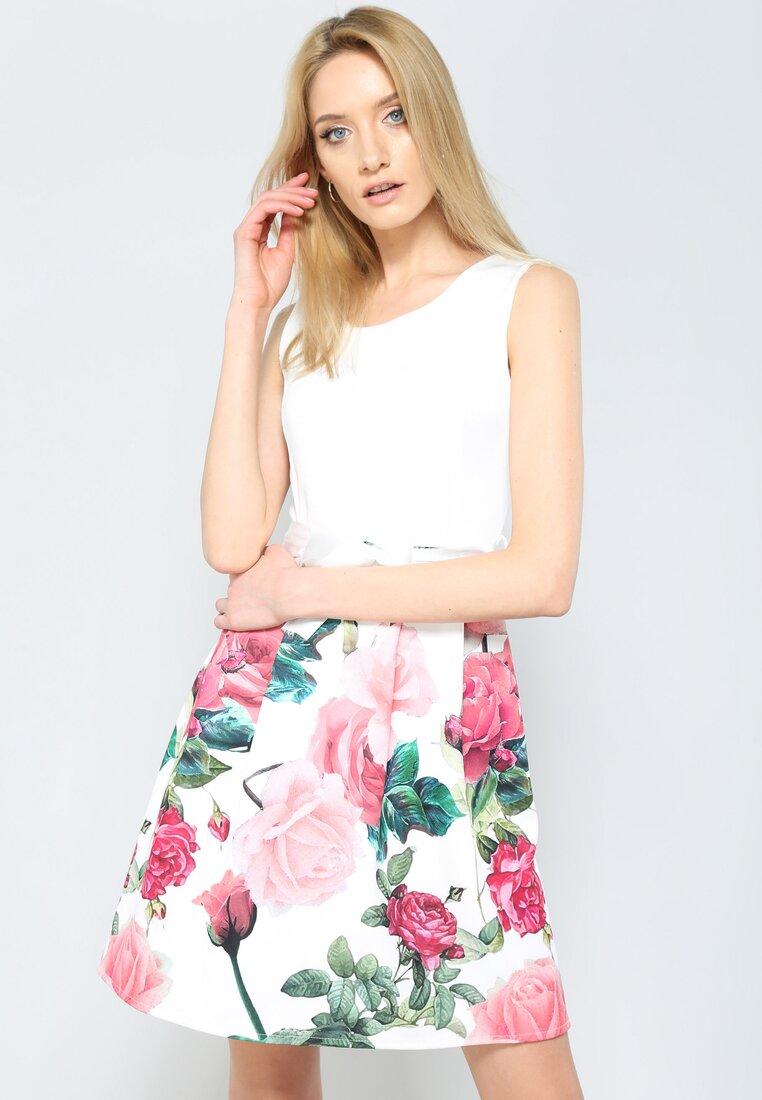 Różowa Sukienka Eye-Catching