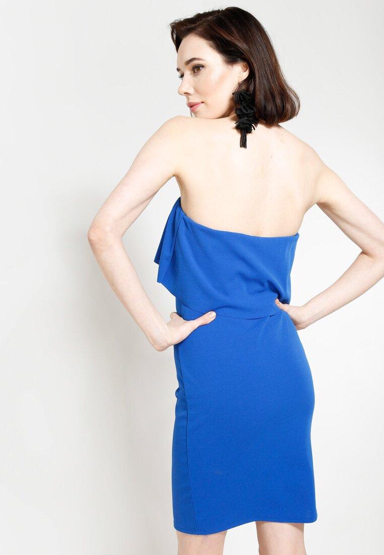 Ciemnoniebieska Sukienka Untold Story
