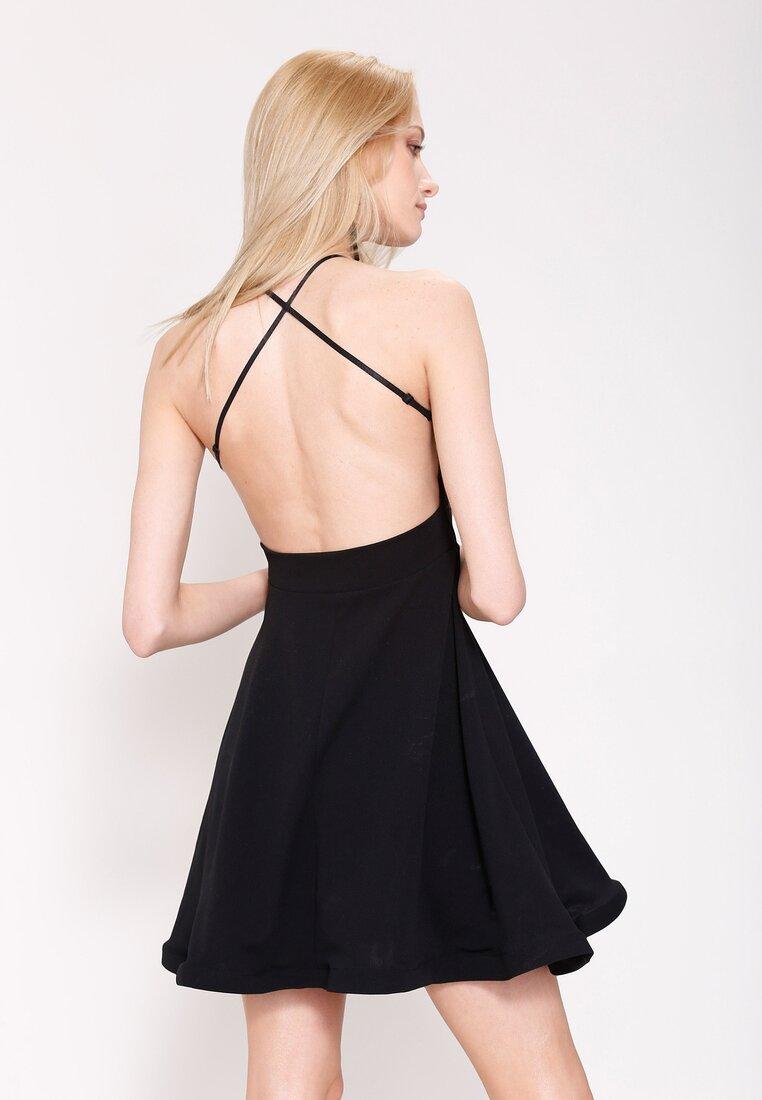 Czarna Sukienka Pretty Back