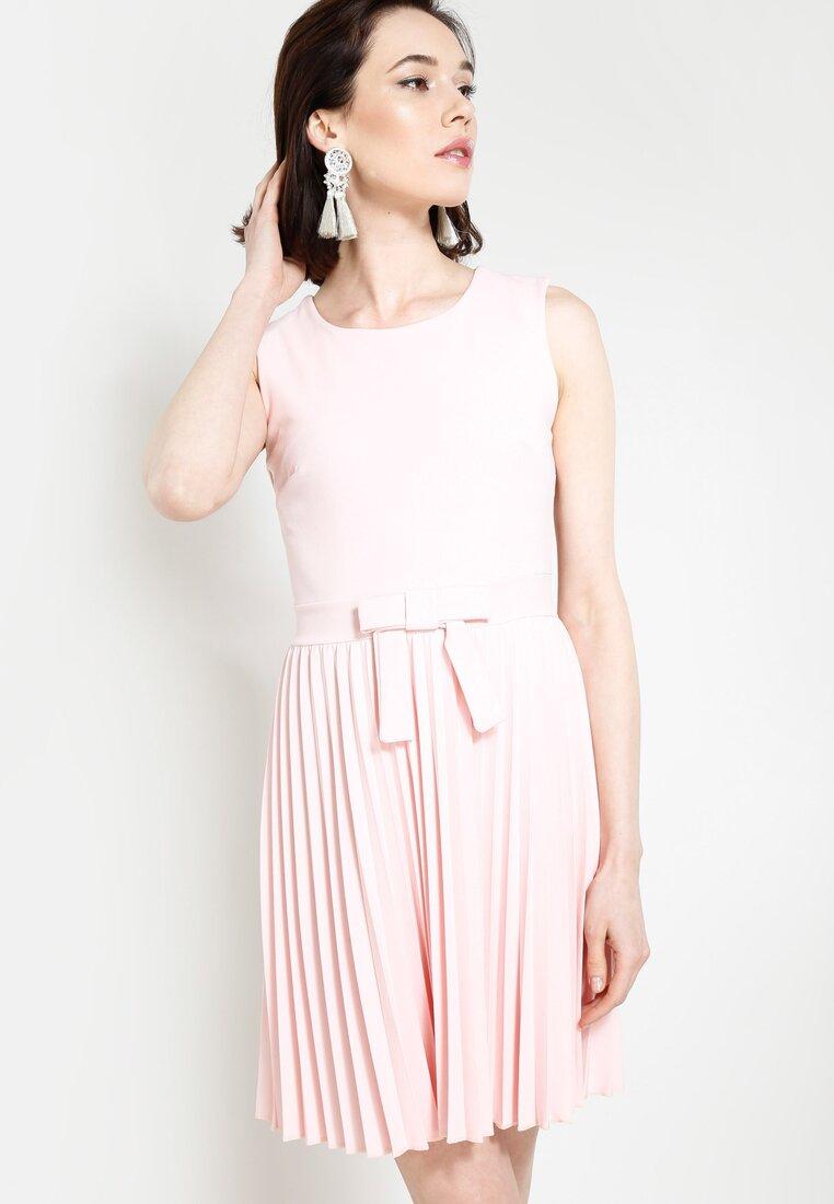 Różowa Sukienka Let Me